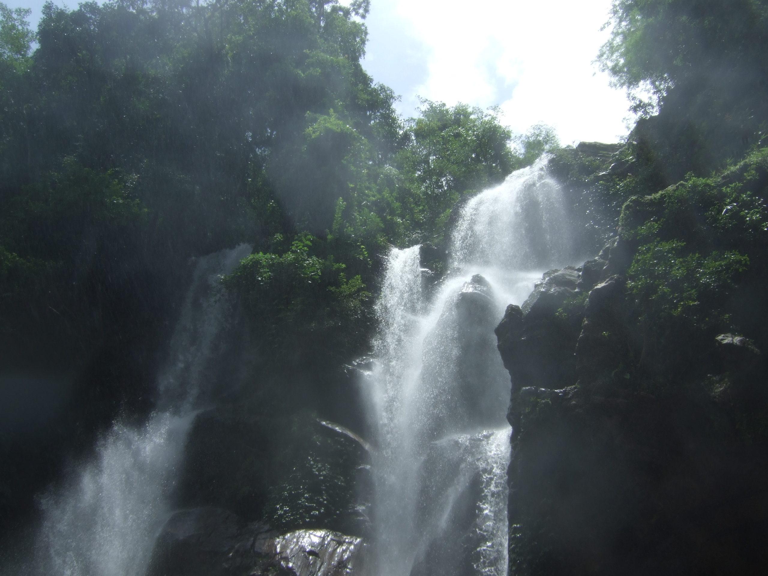 Водопад Мок Фа