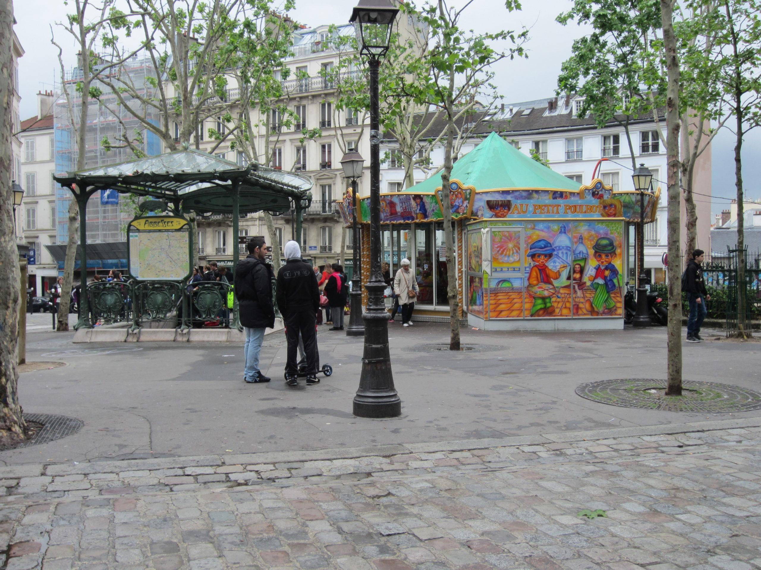 Площадь Аббатис (Place Des Abbesses)