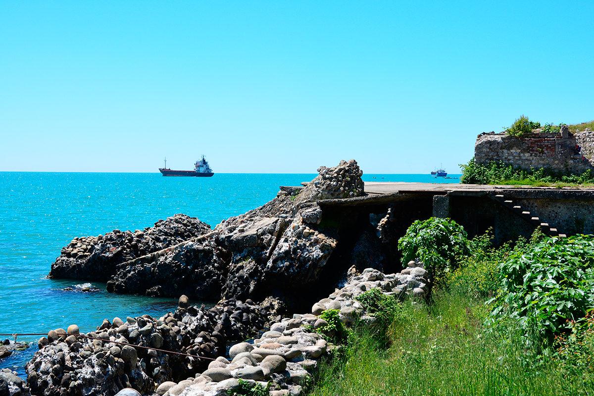 Руины Сухумской крепости