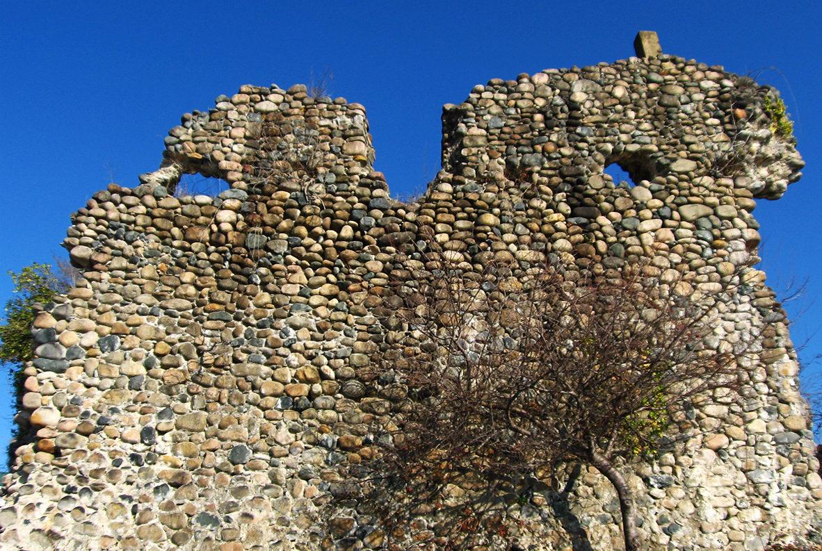 Руины первой башни Келасурской стены, Сухуми