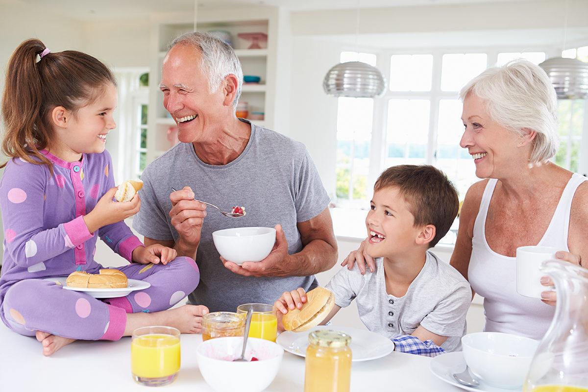 Берегите, внуxfnrb, здоровье смолоду-кушайте на завтрак мюсли!