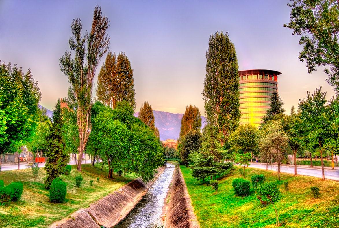Уютная Тирана