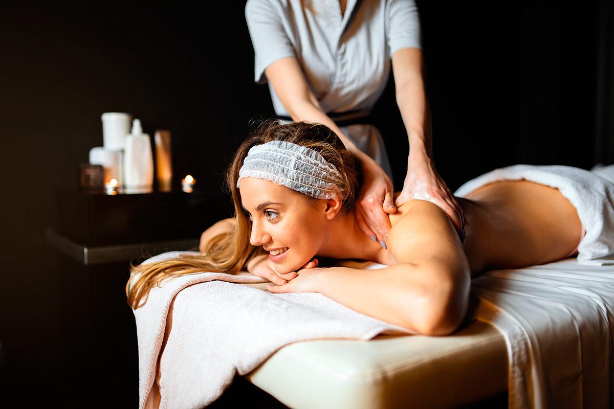 ...женщины могут насладиться расслабляющим массажем
