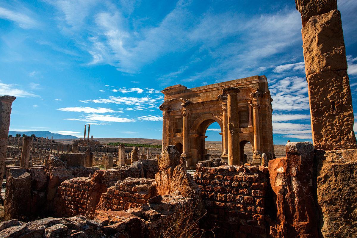 Руины древнеримского города Тимгад