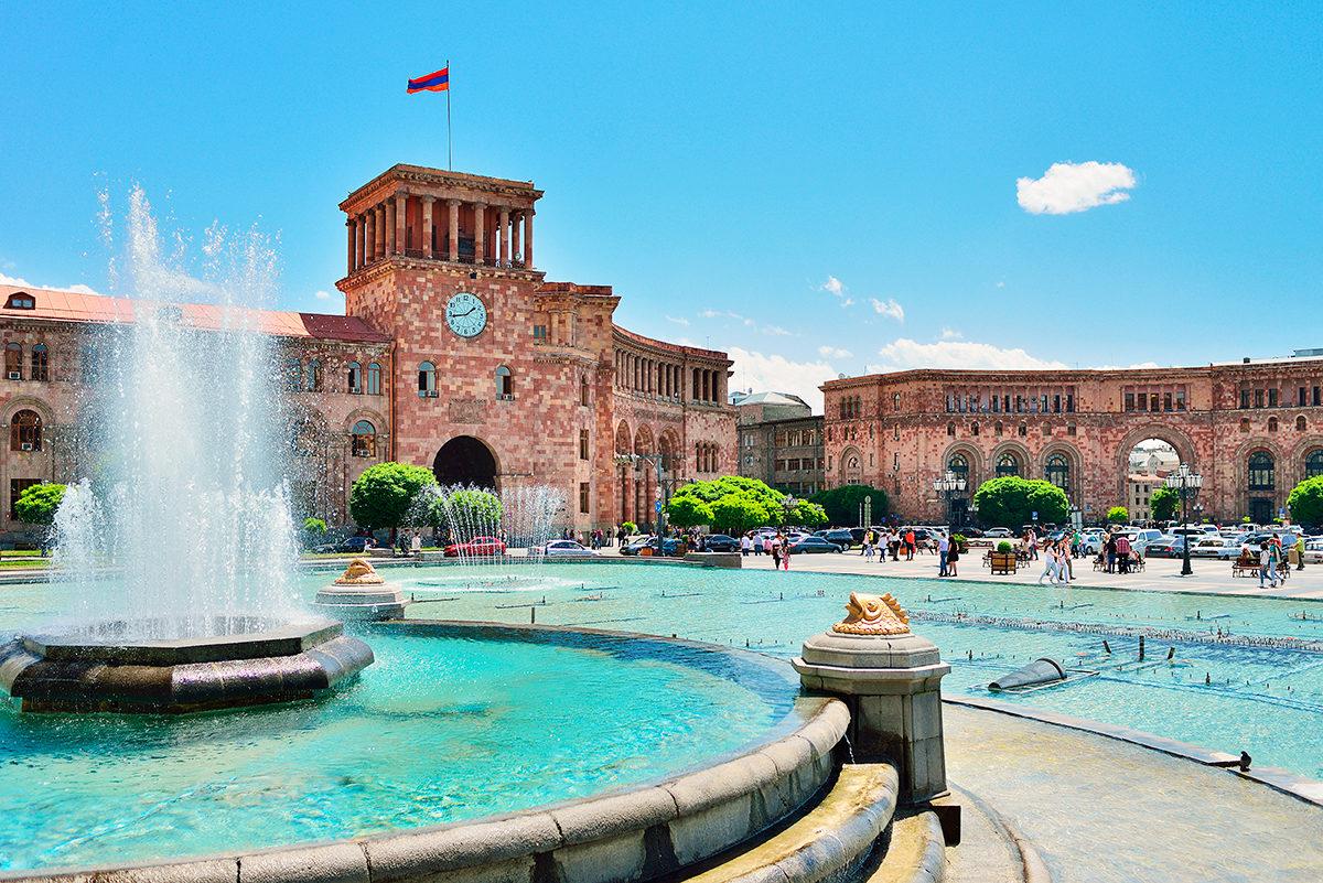 Дом Правительства, Ереван
