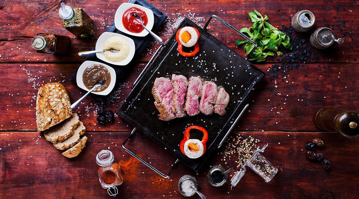 Аппетитный говяжий стейк