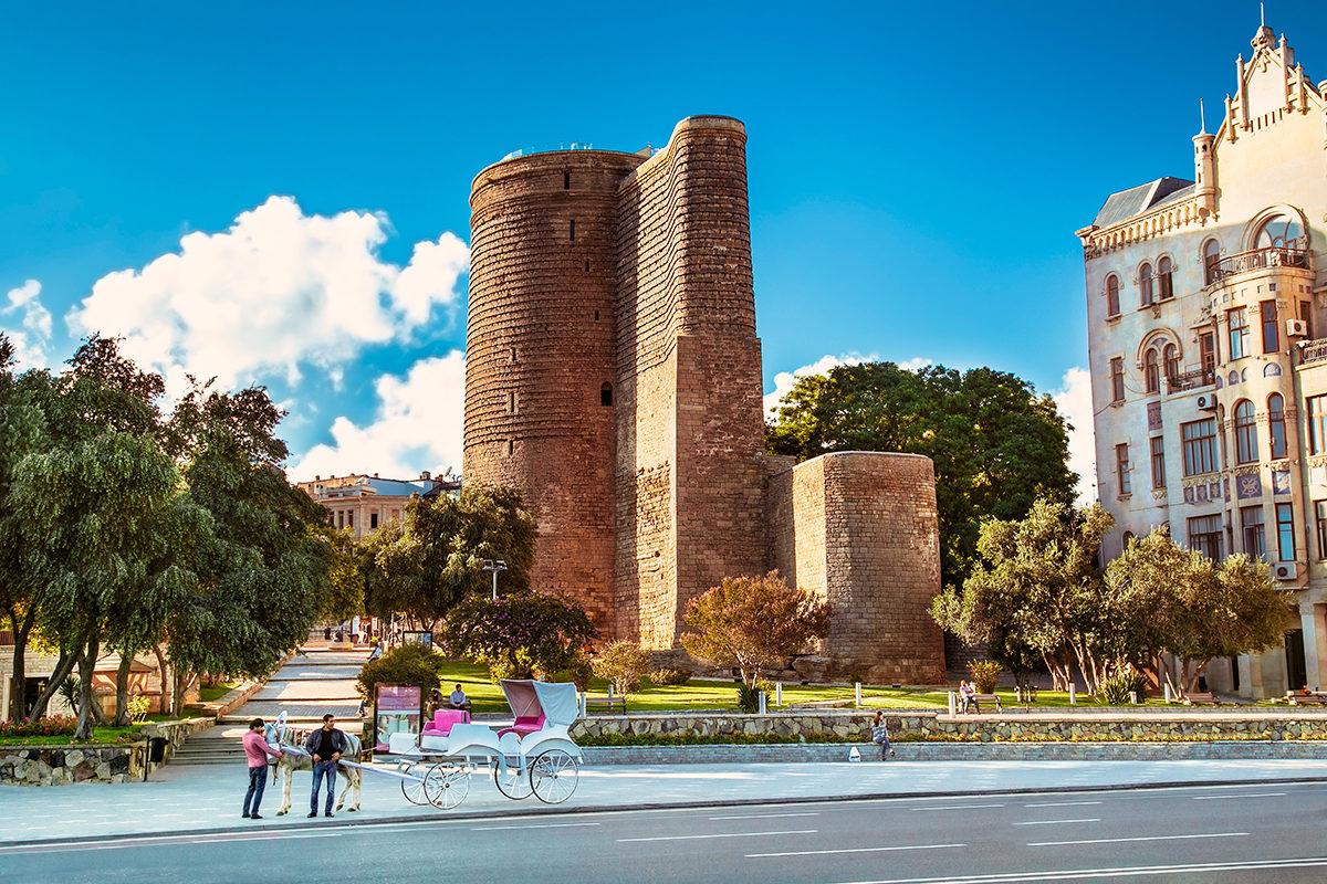 Девичья башня, общий вид