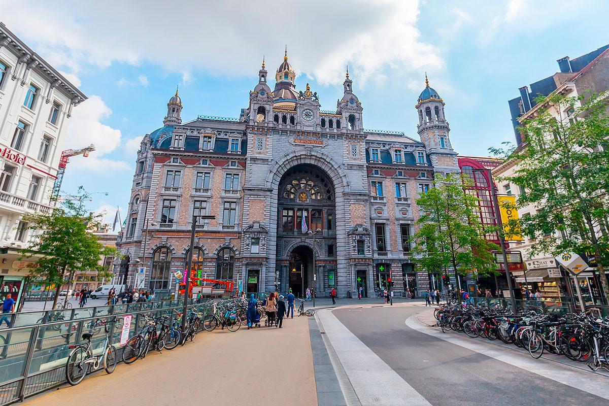 Здание Антверпенского вокзала