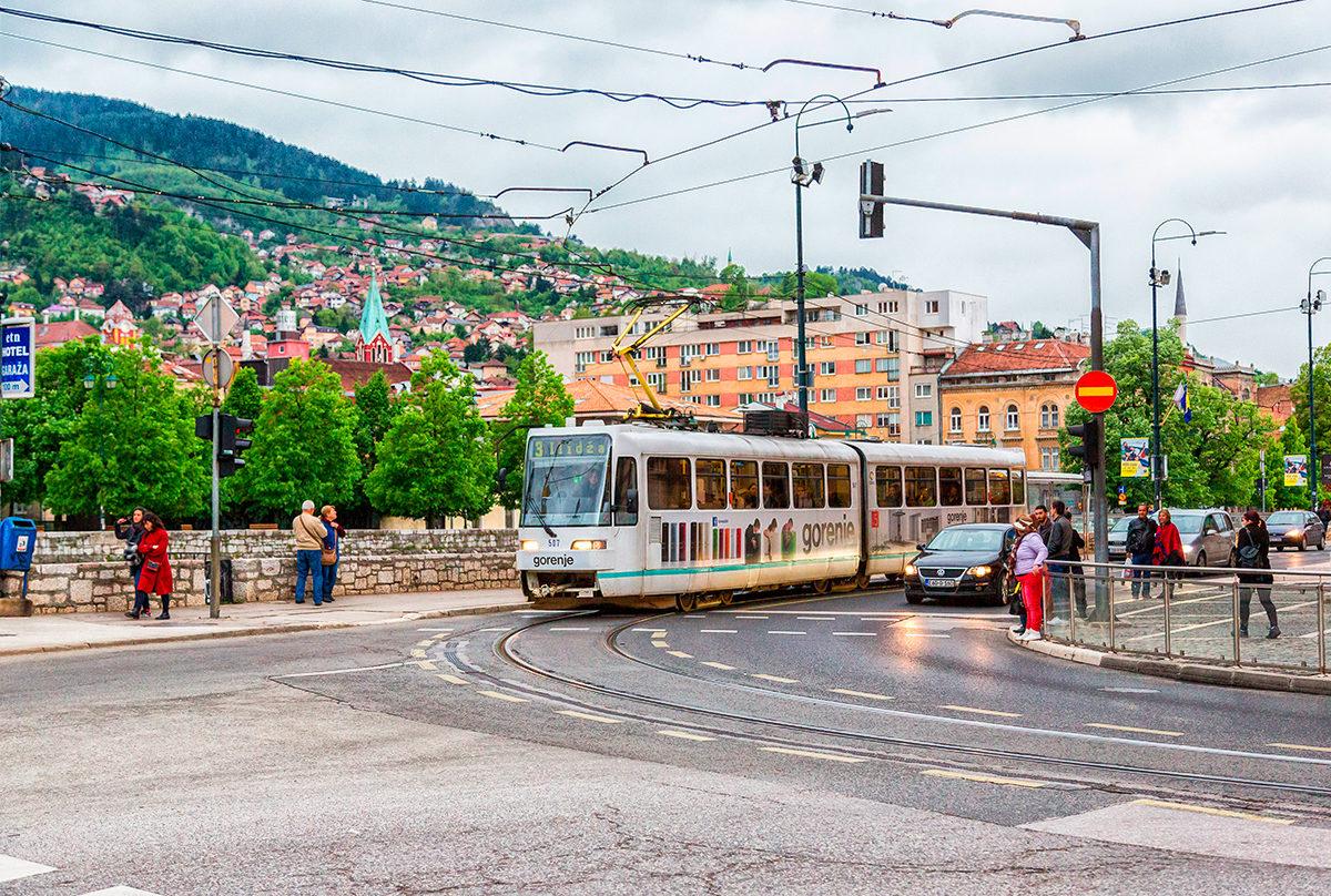 Местный трамвай