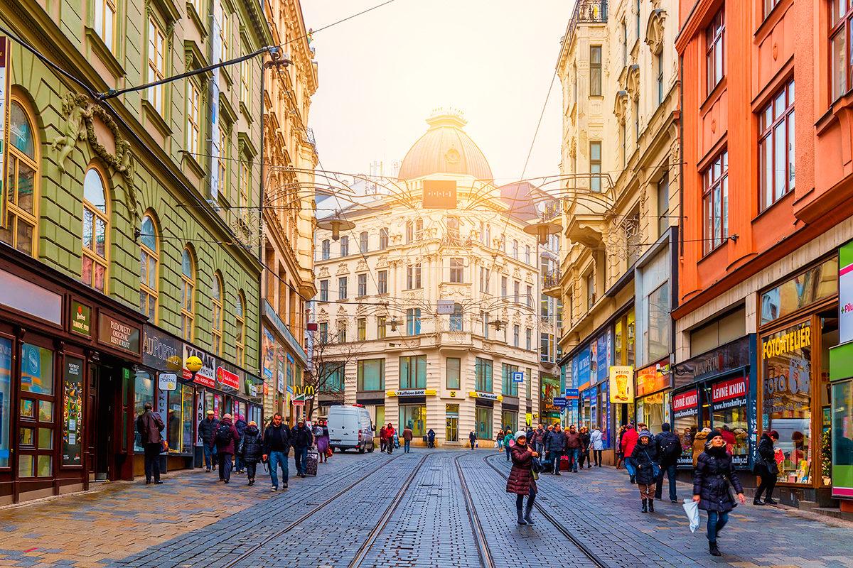 Современный Брно с каменными улицами