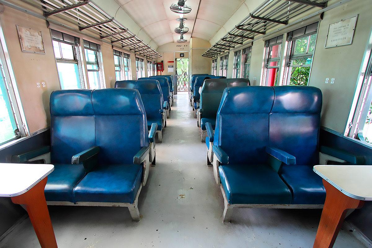 Салон одного из вагонов, Железнодорожный музей