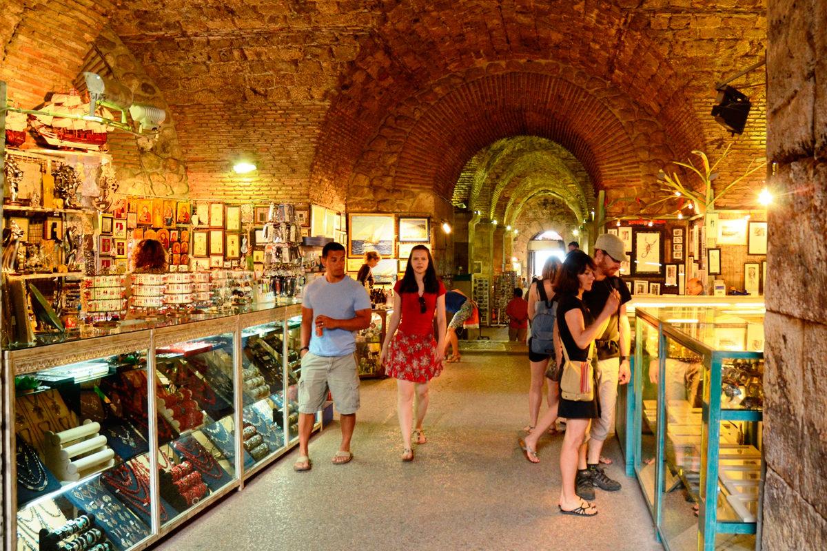 Подземные лавки и магазинчики, Сплит