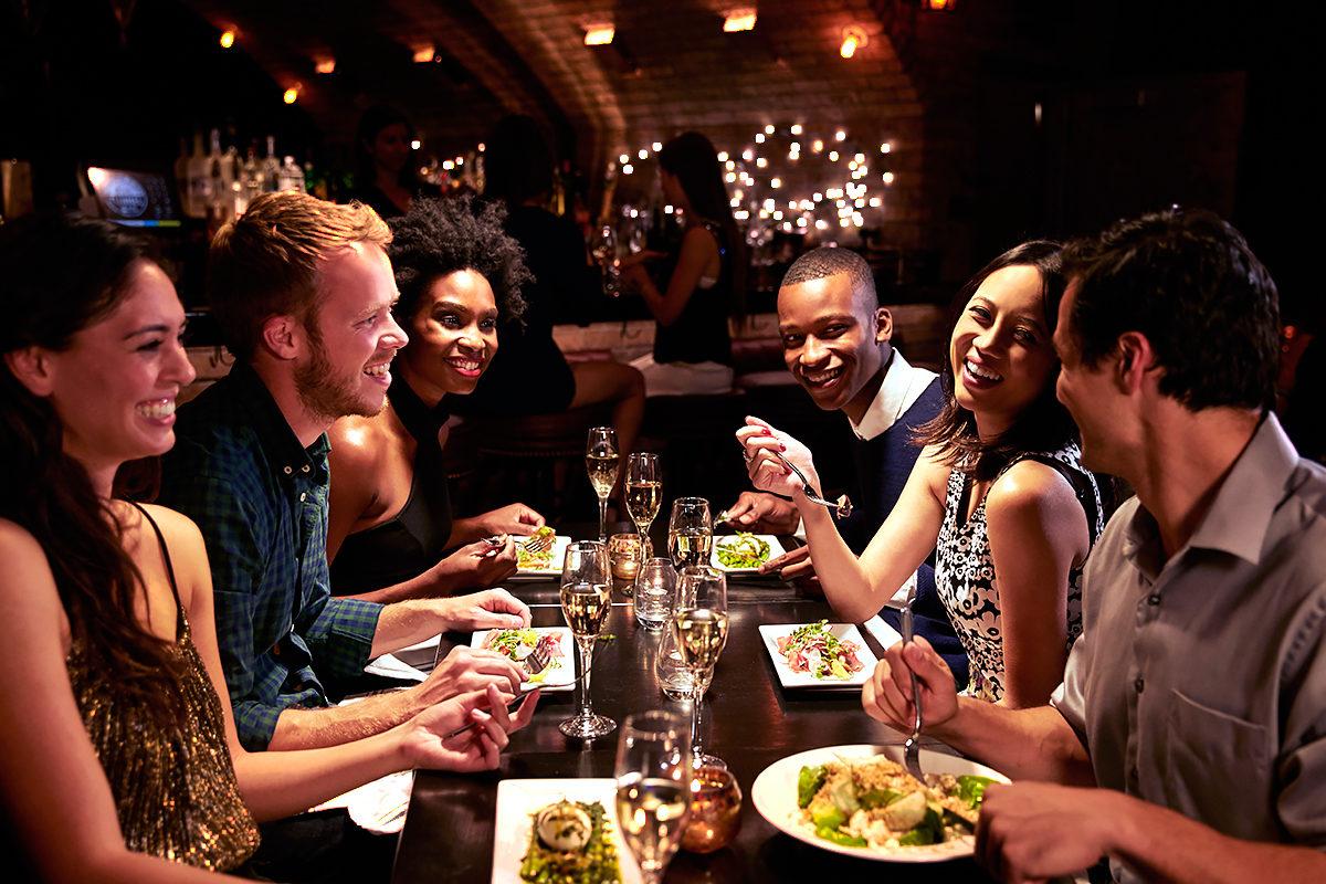 Ресторан, новые знакомства