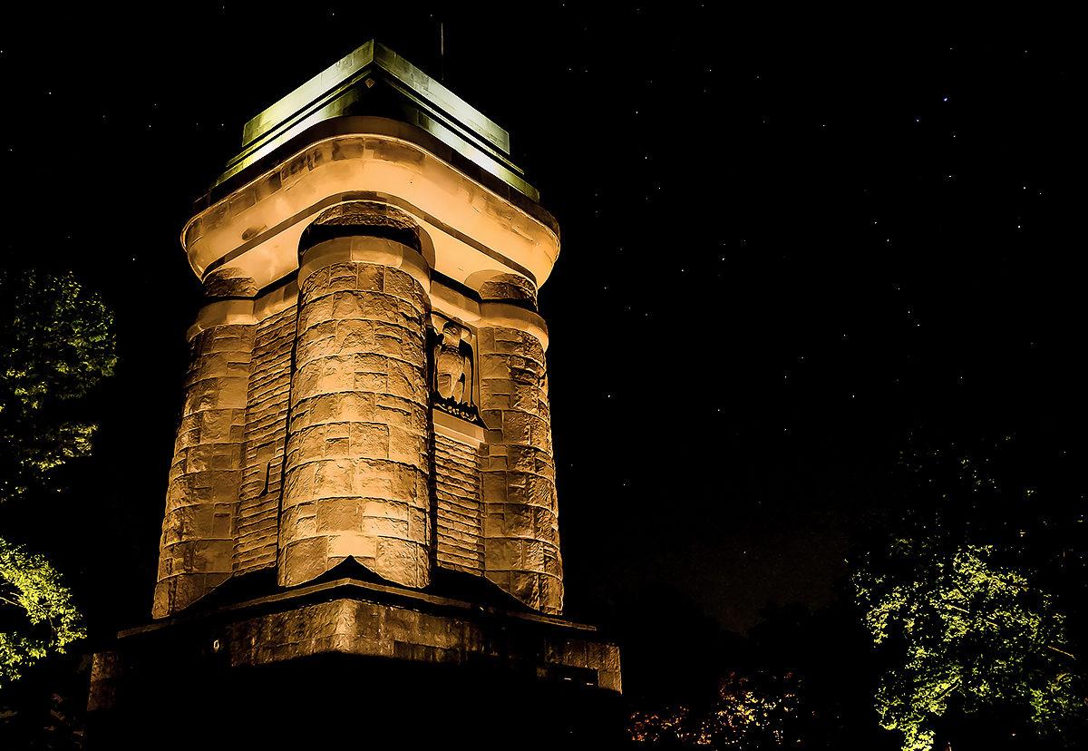 Башня Бисмарка, ночь