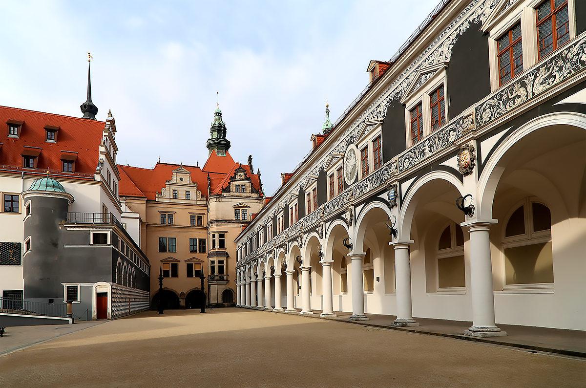 Дрезденский замок-резиденция в деталях