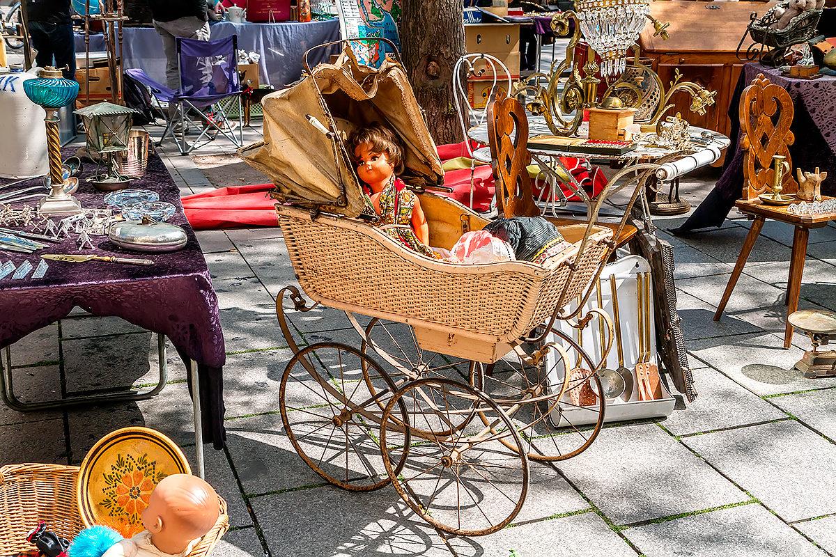 Блошиный рынок - антикварный рай