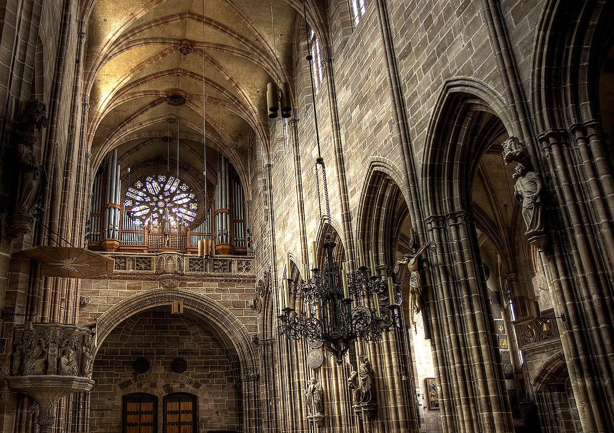 Интерьер Церкви Св. Лоренца