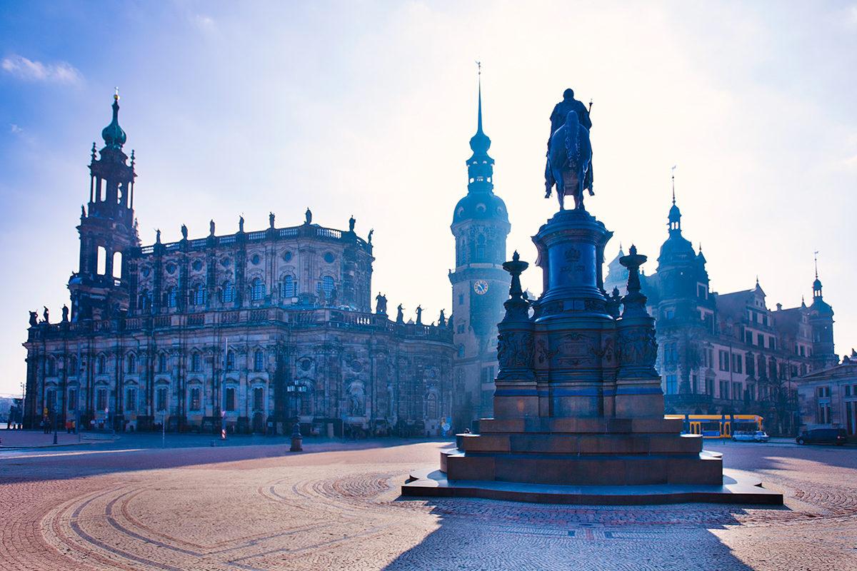 Памятник Иоганну, Дрезден