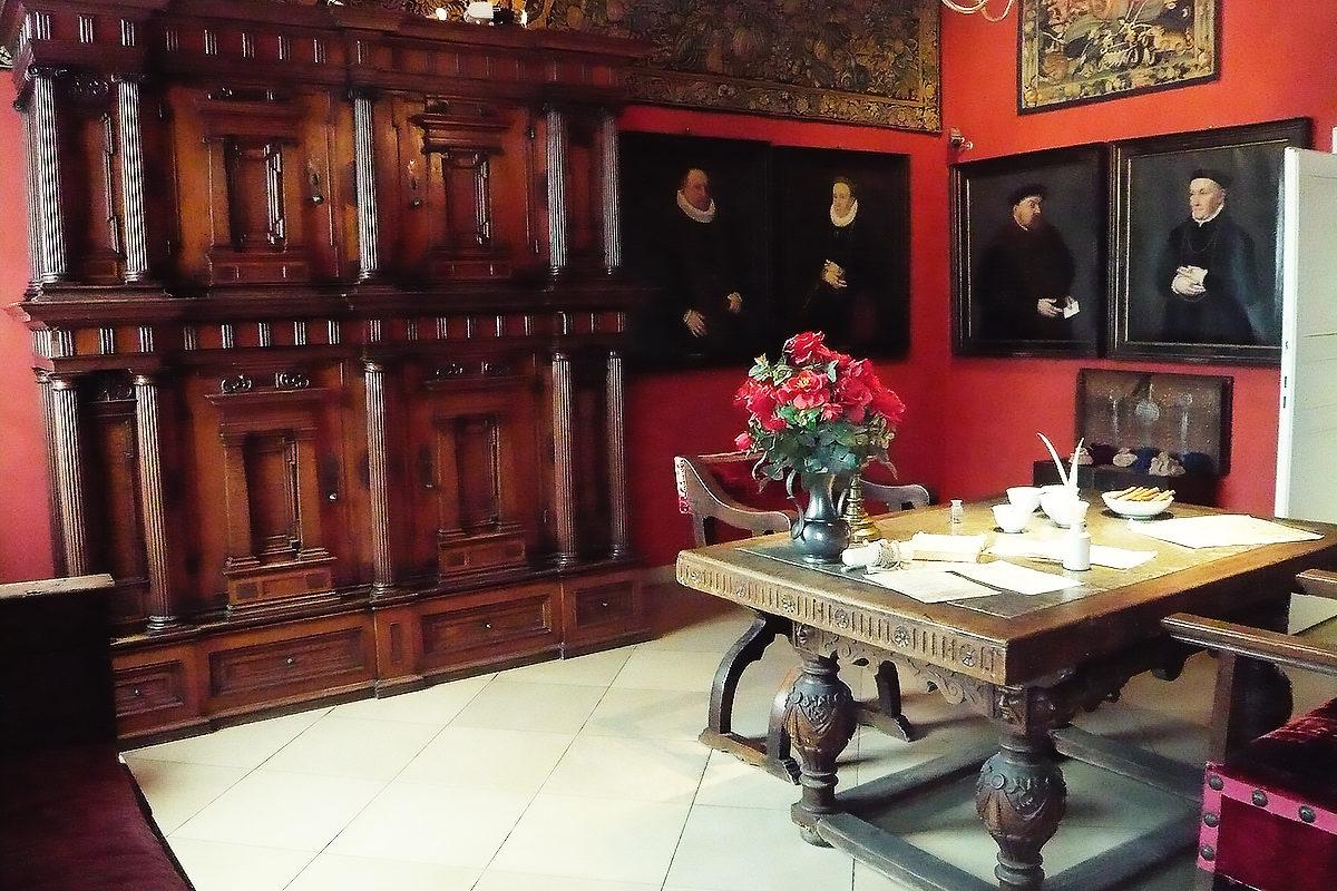 Одна из комнат замка Тухер