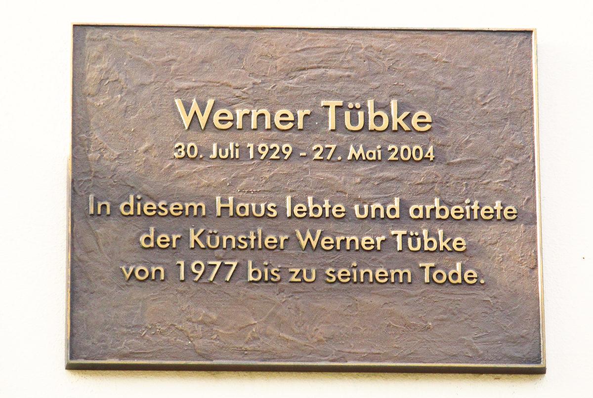 Памятная табличка, вилла Тюбке