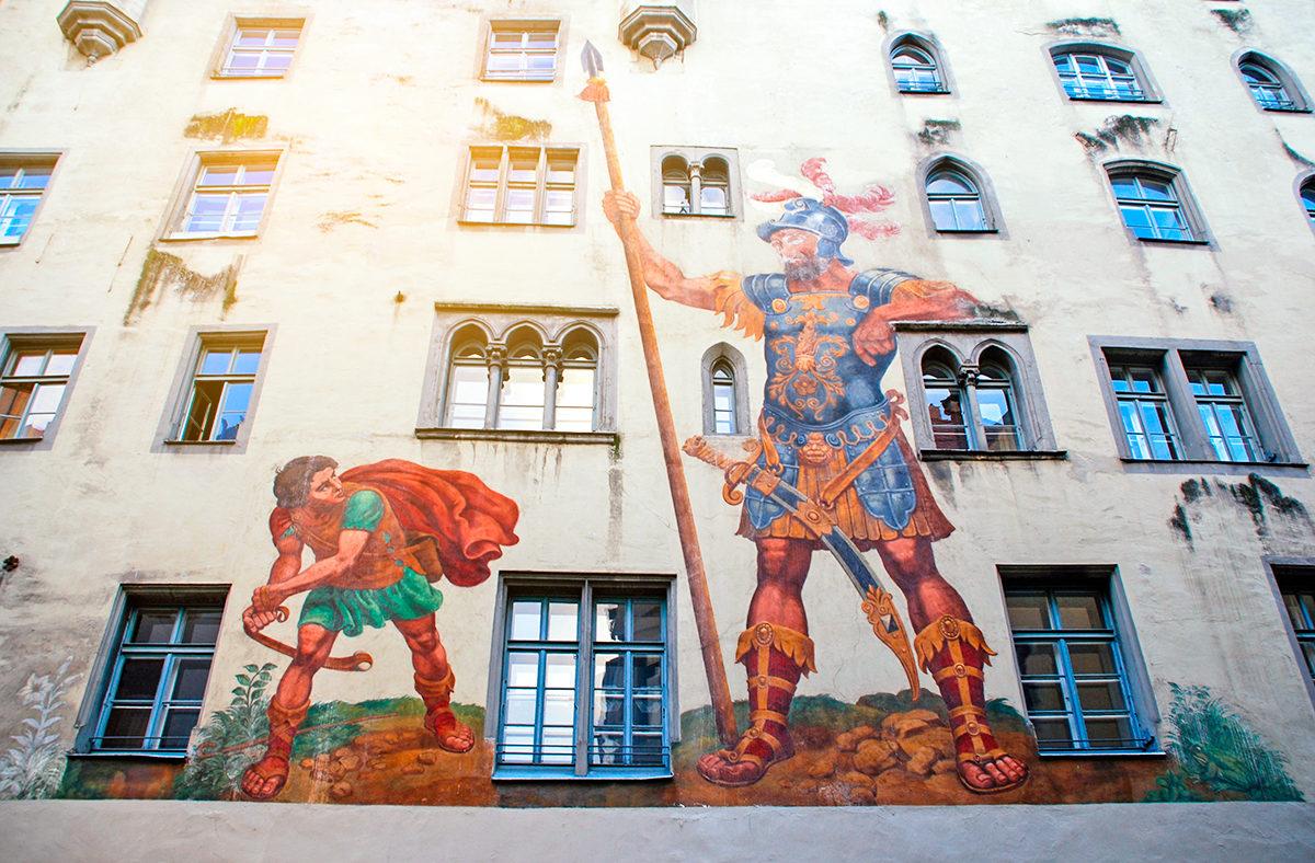 Давид и Голиаф, фреска на доме средневековой эпохи, Регенсбург