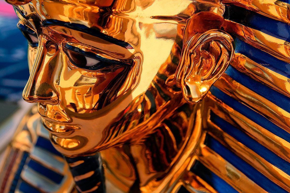 Копия скульптуры Фараона, Египет