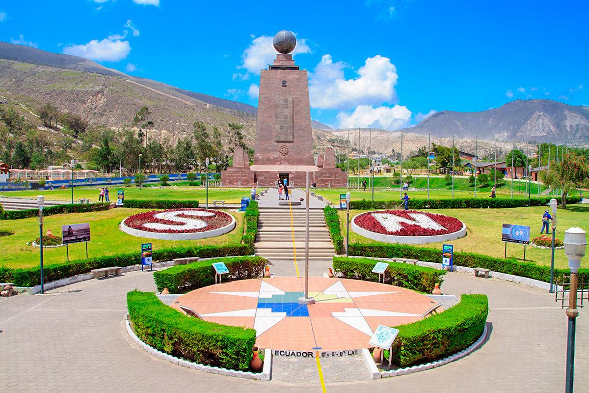 Памятник Экватору, Эквадор
