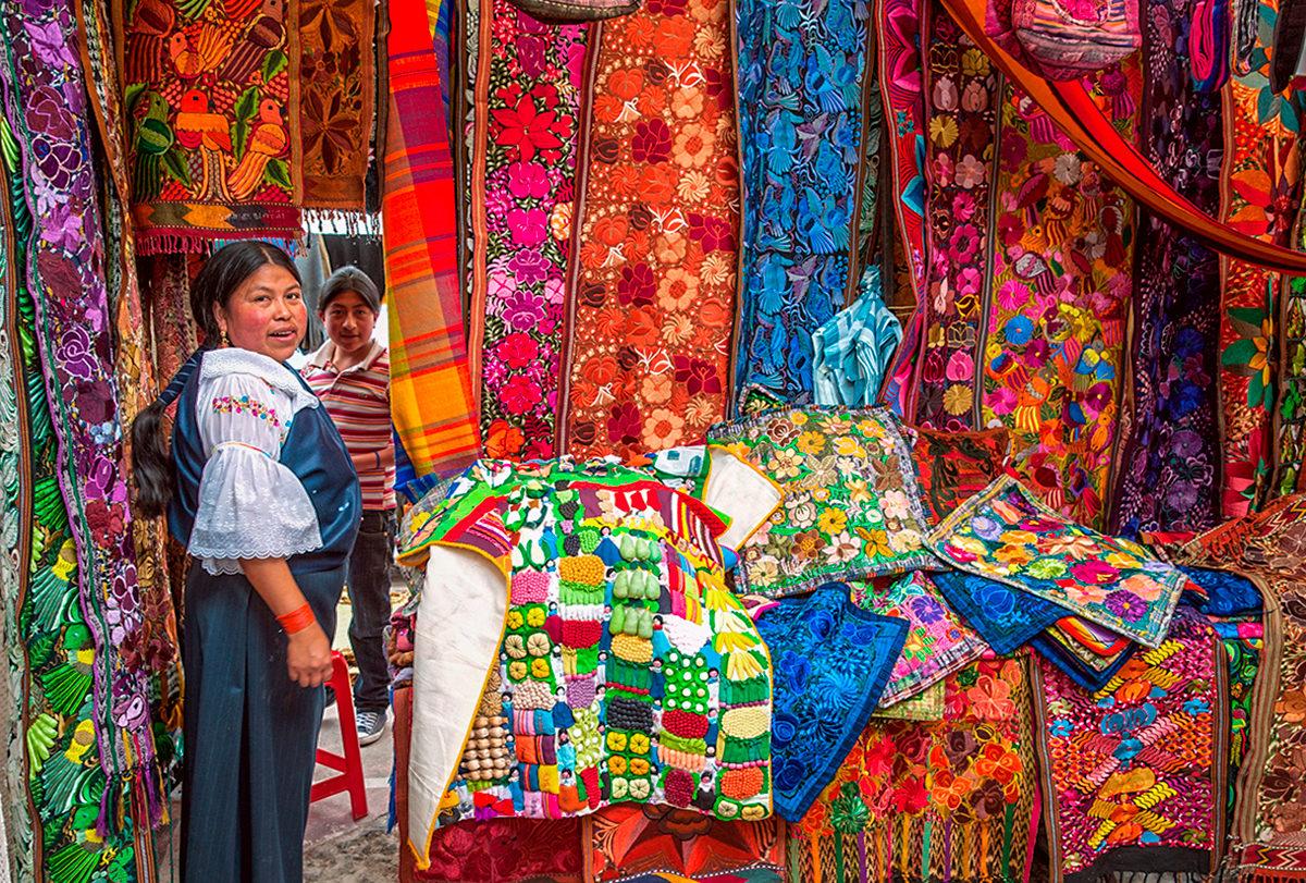 Цветные изделия из шерсти