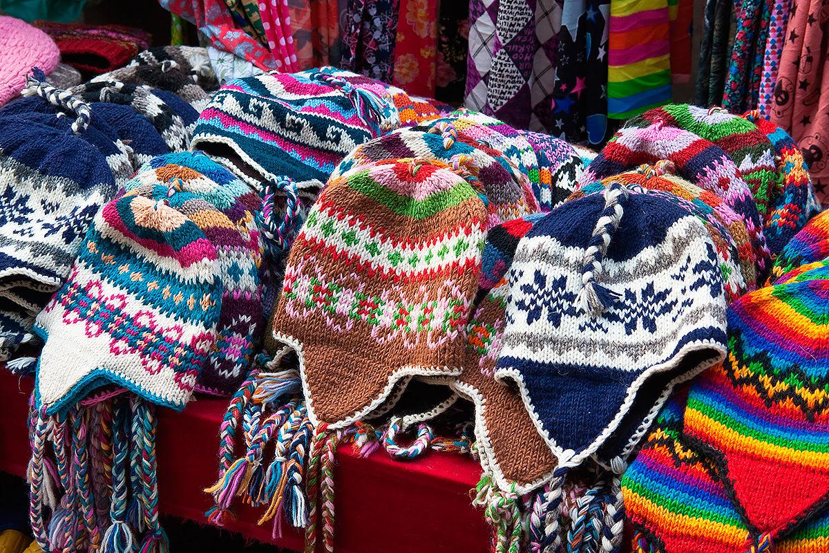 Зимние шапки ручной работы в ассортименте