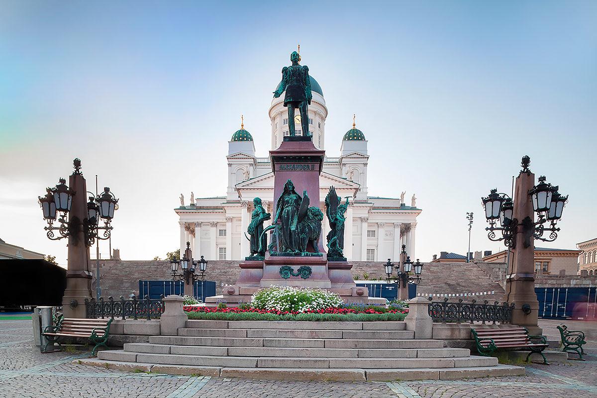 Сенатская площадь, Кафедральный собор, памятник Александру II
