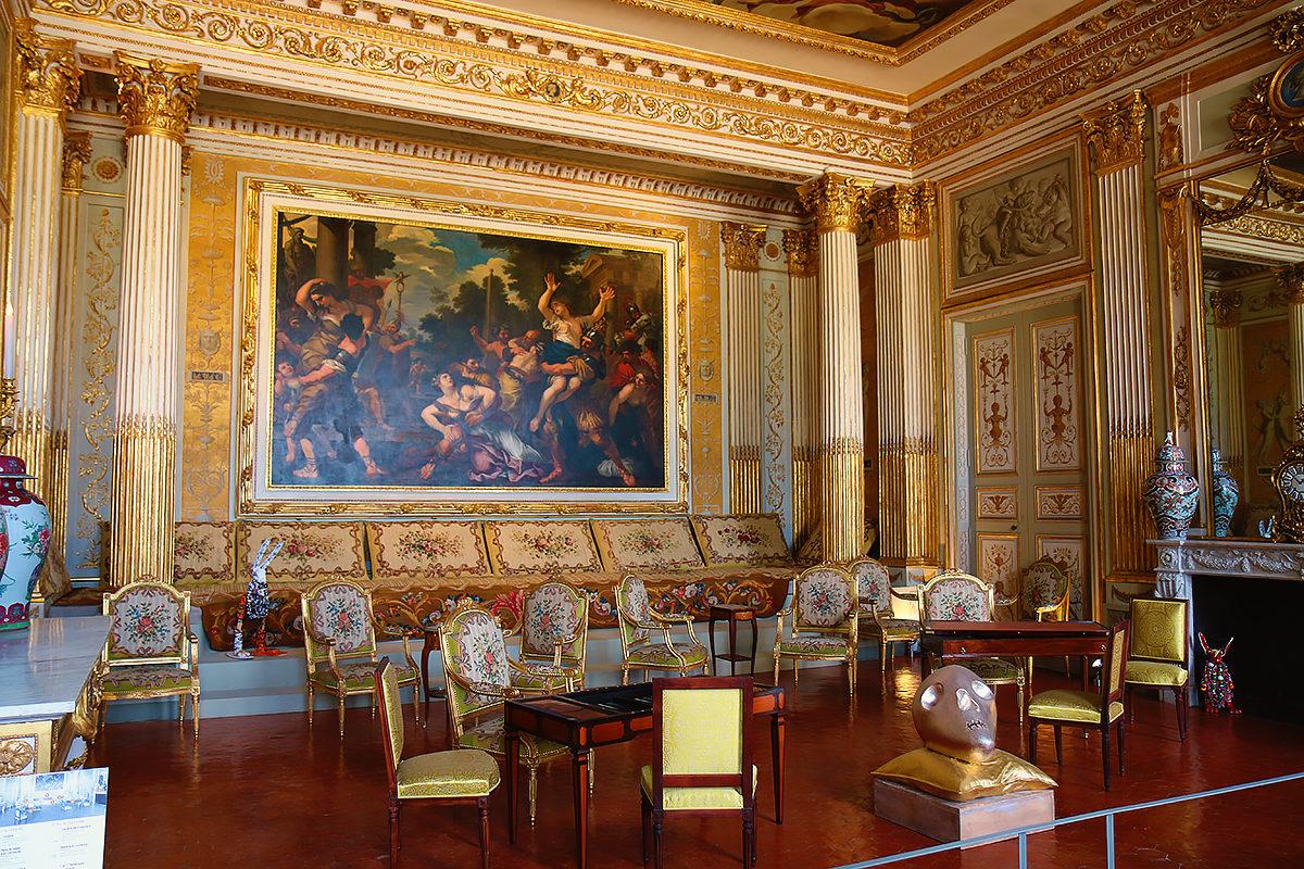 Интерьер одного из залов музея, Замок Борели