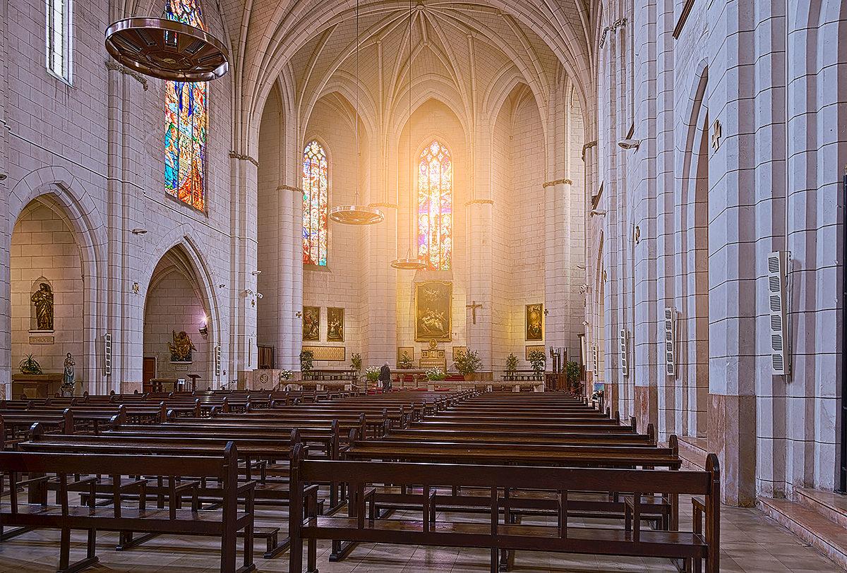 Церковь Богоматери Дальбад, интерьер