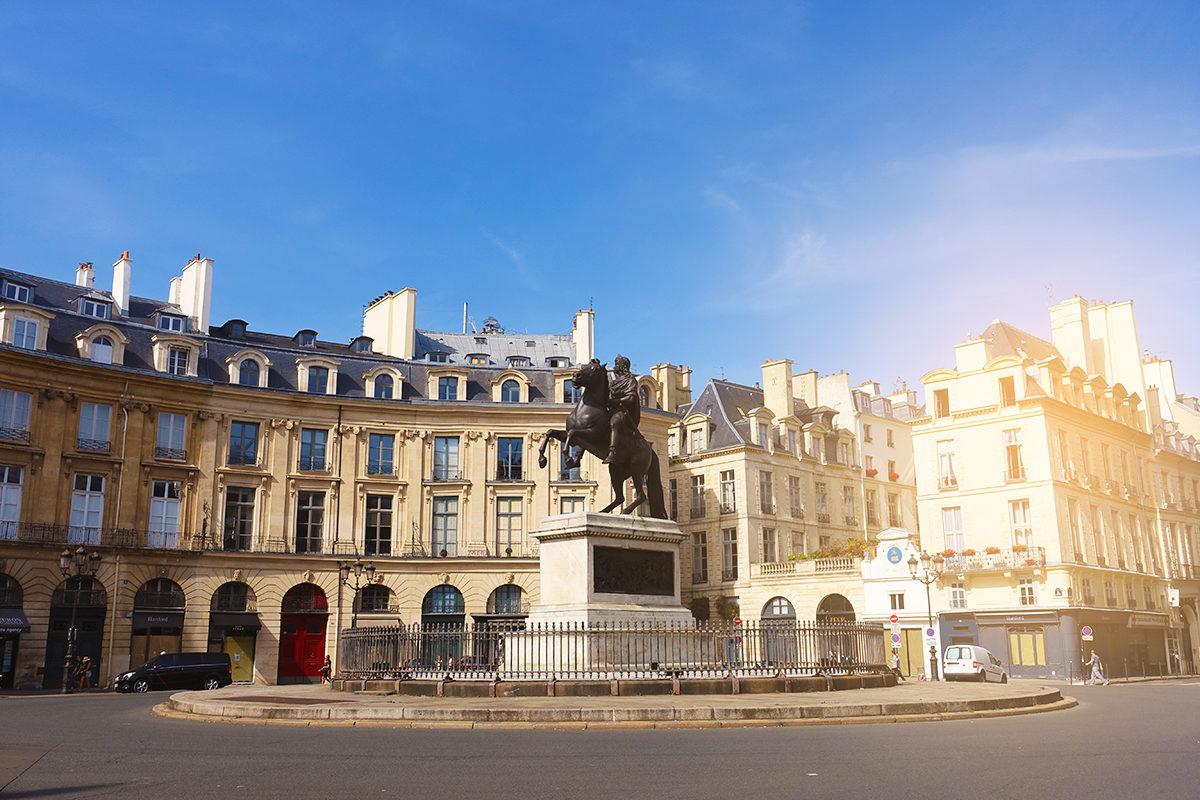 Площадь Побед, Париж