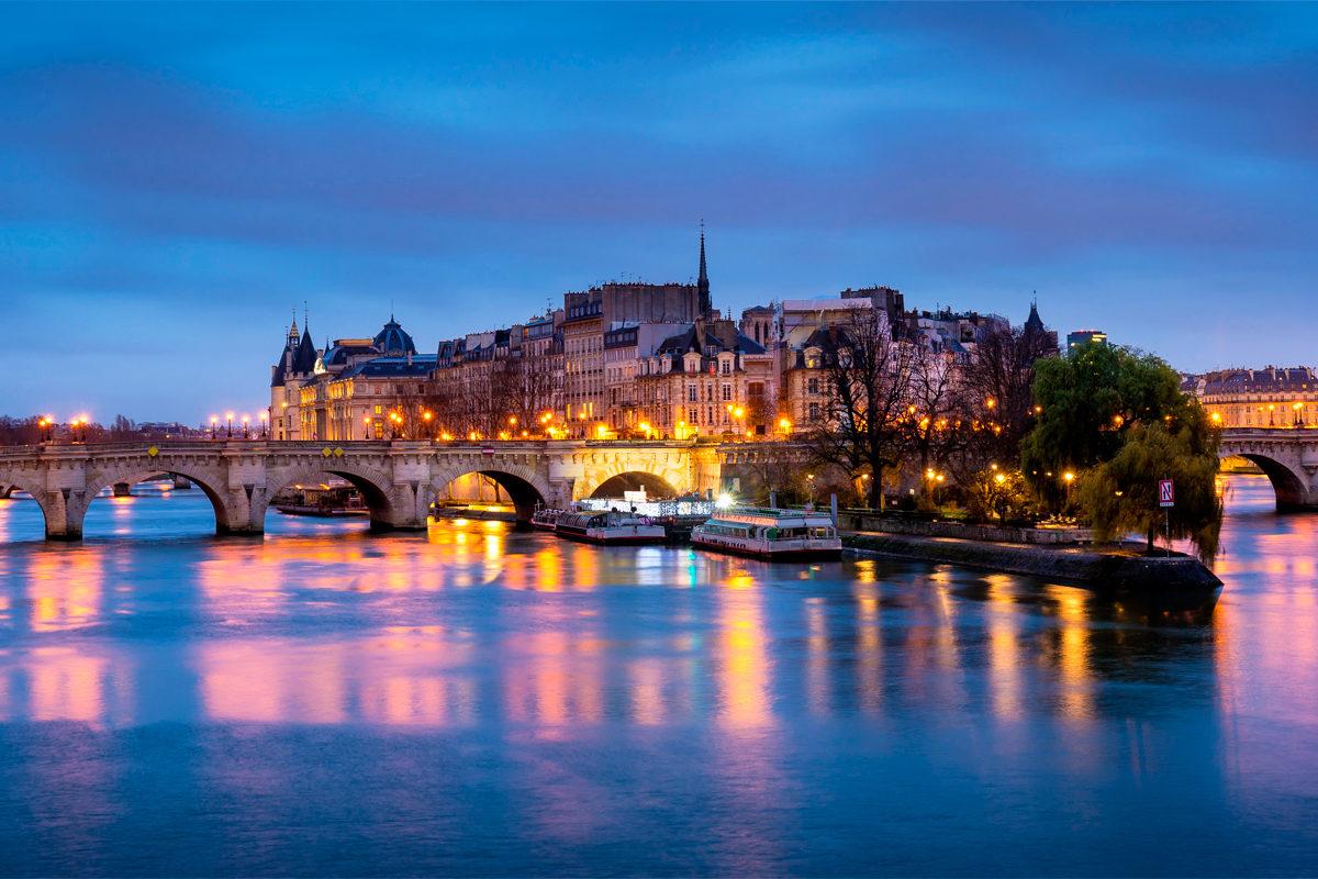 Новый мост в вечернее время, Париж