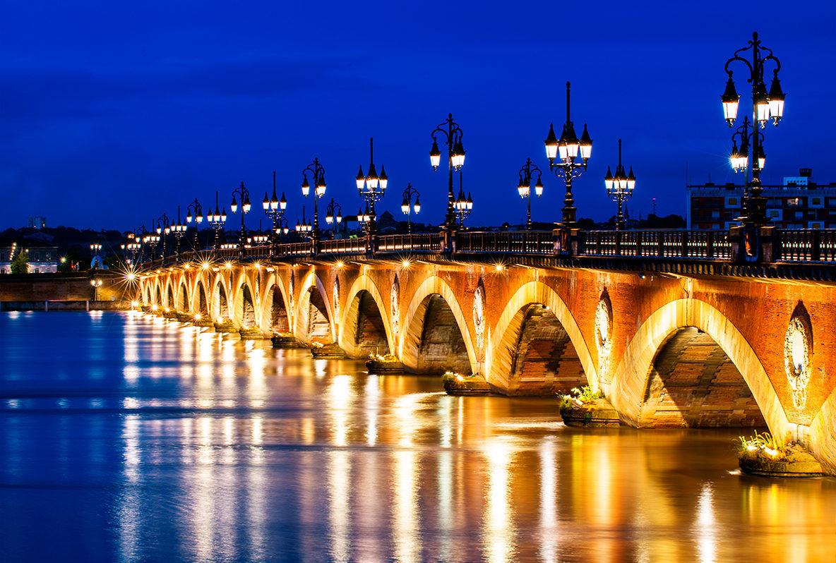 каменный мост в вечернее время, Бордо