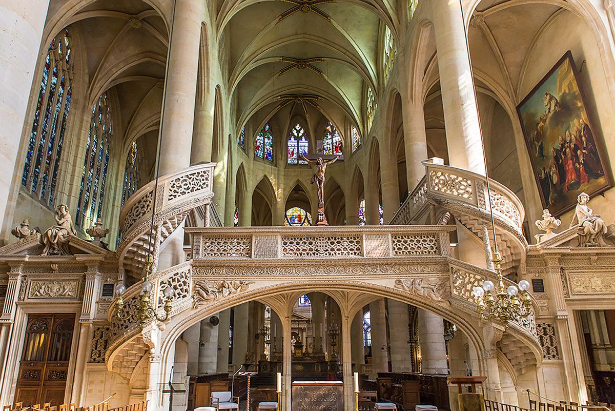 Церковь Сент-Этьен-дю-Мон, интерьер