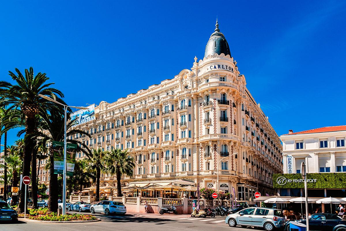 Один из отелей в Каннах, Франция