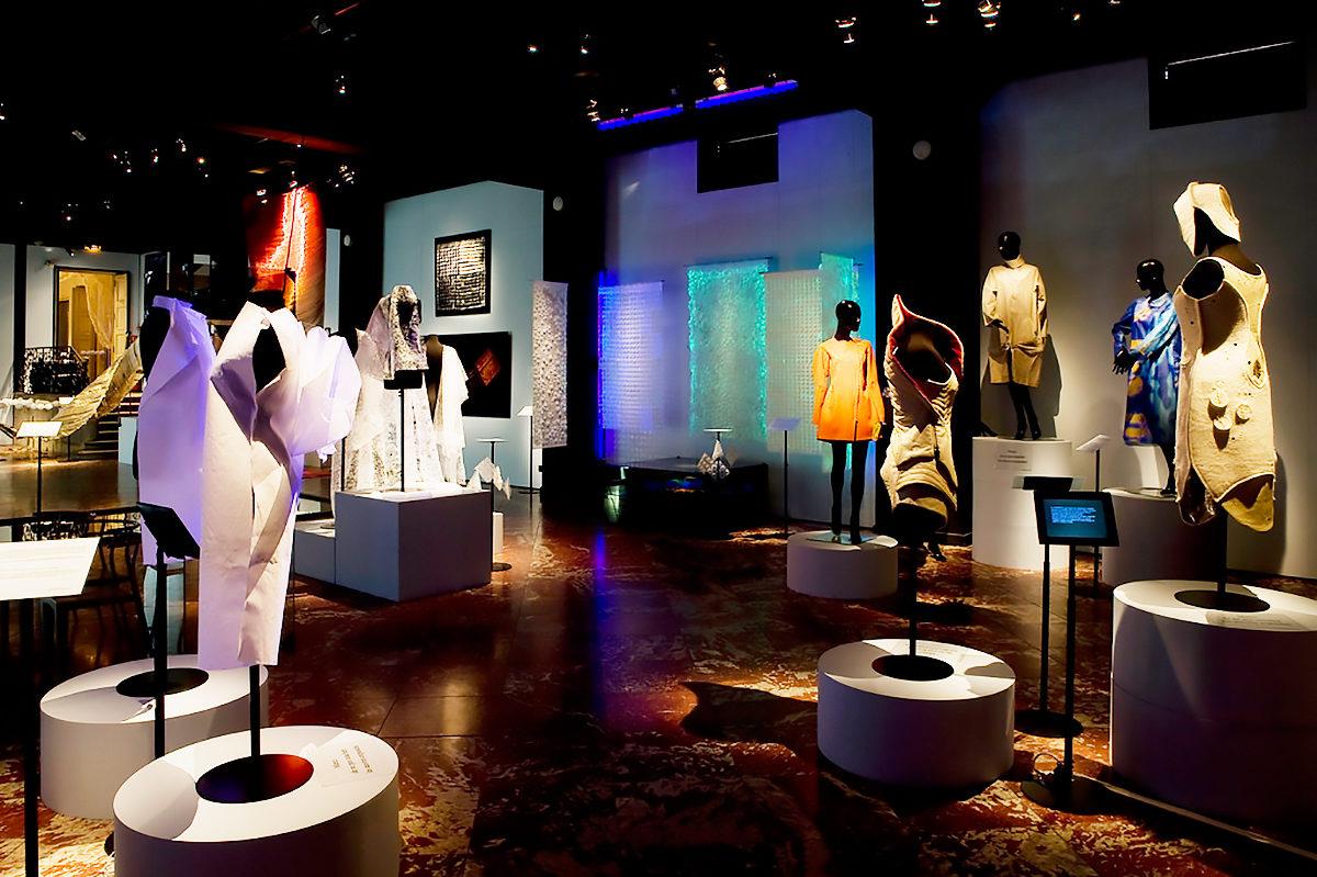 Экспонаты в Музее текстиля и декоративно-прикладного искусства, Лион