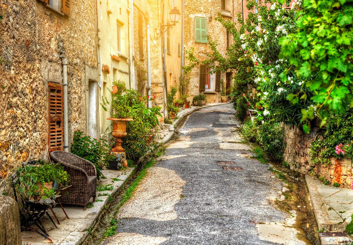 Традиционный вид улочки в Провансе
