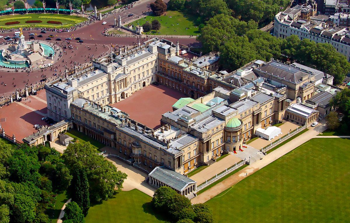 дворец королевы англии елизаветы фото школьник ауе башке