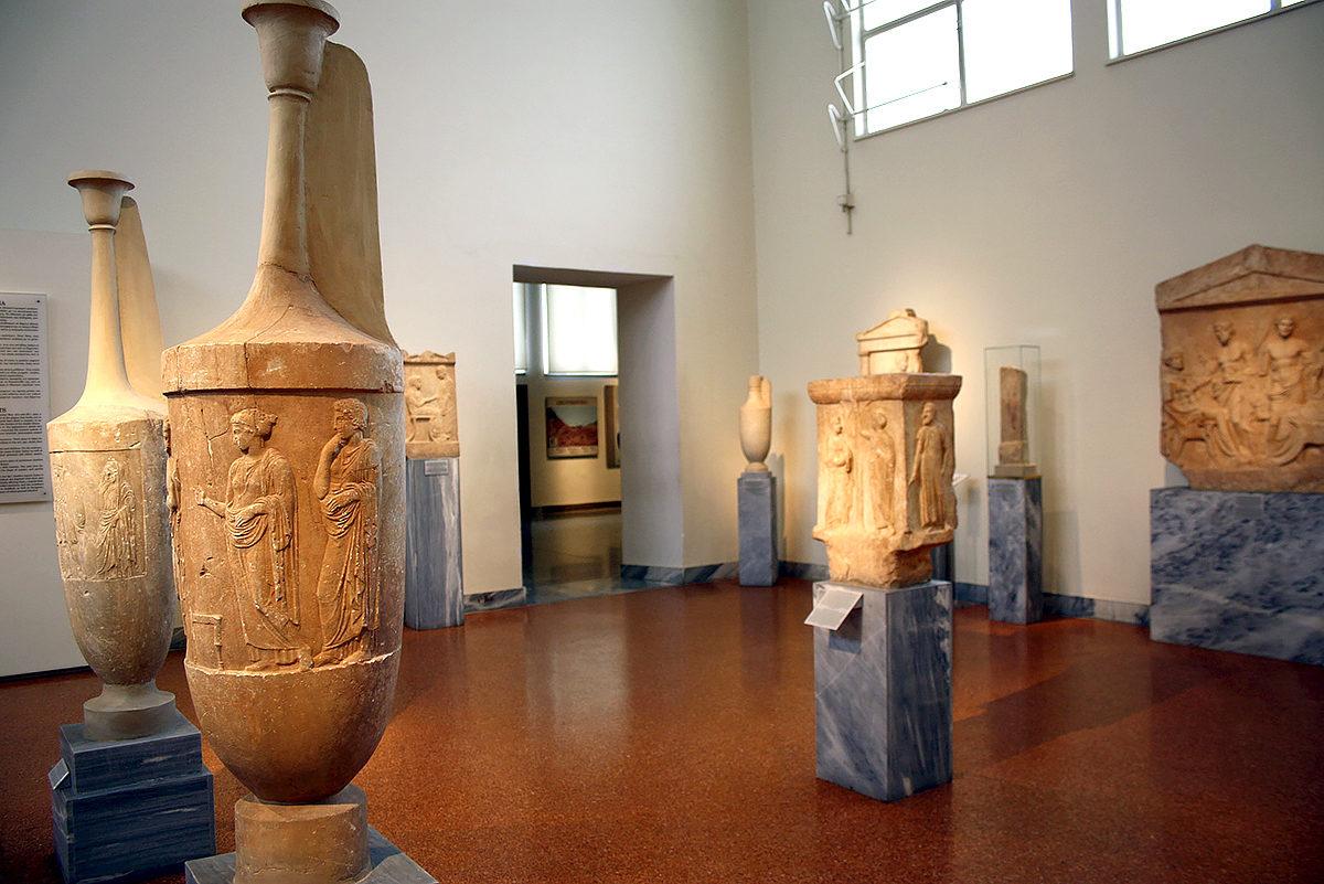 Экспонаты Национального Археологического Музея