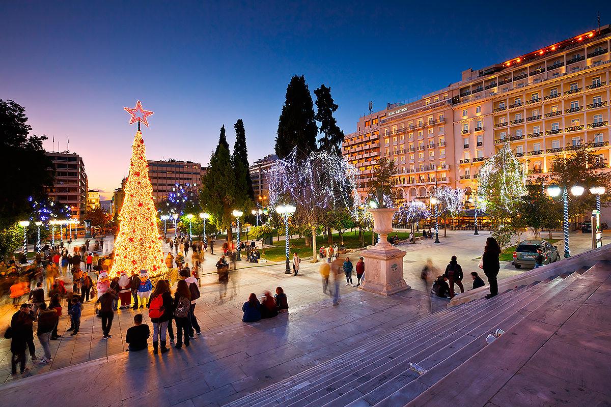 Площадь Синтагма в зимние праздники