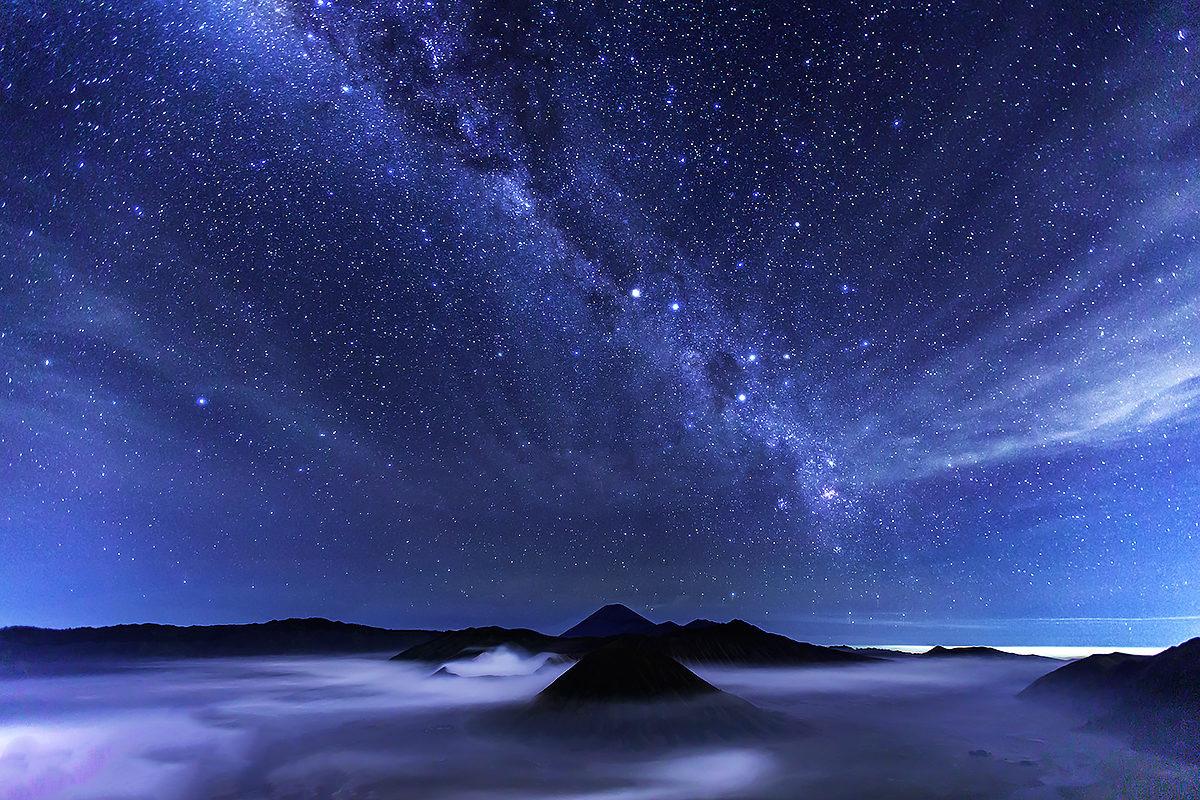 Национальный парк Бромо-Тенгер-Семеру под звездами
