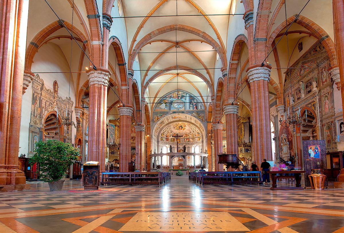 Кафедральный собор Вероны, интерьер