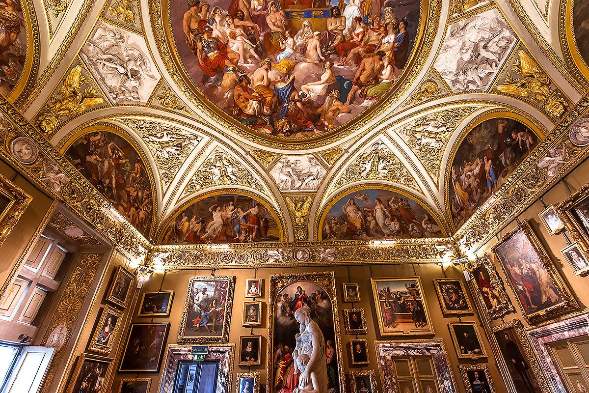 Палаццо Питти, интерьер и детали архитектуры