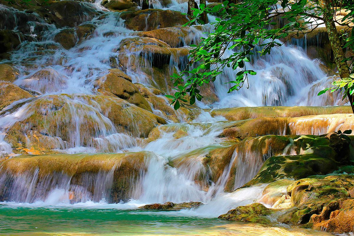 Водопад Данс-Ривер, Ямайка