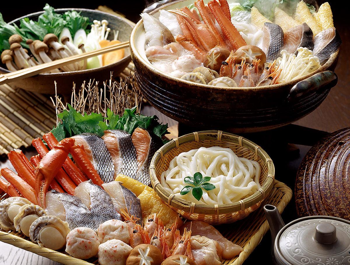 Изобилие японской кухни морепродуктами