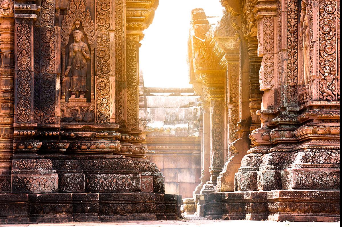 Величественный храм Бантей Срей