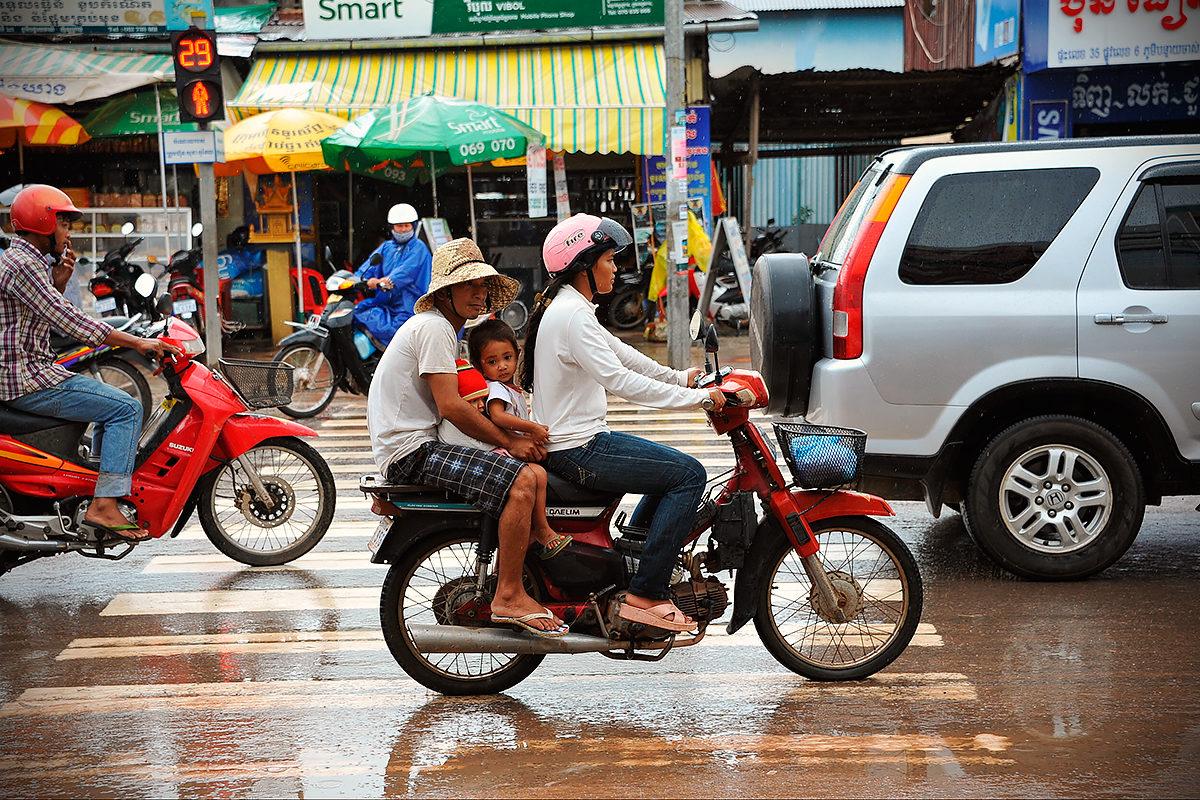 Дорожное движение, Комбоджа