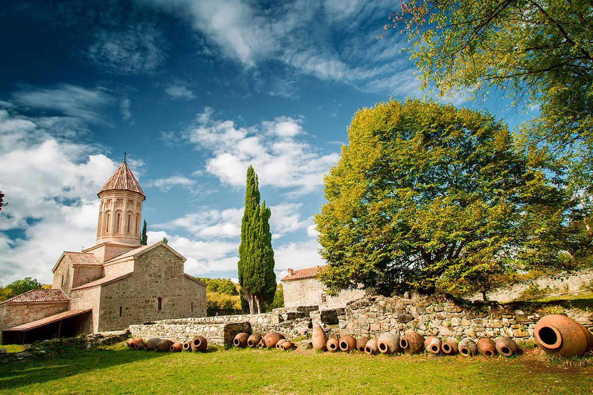 Старинный винодельческий монастырь